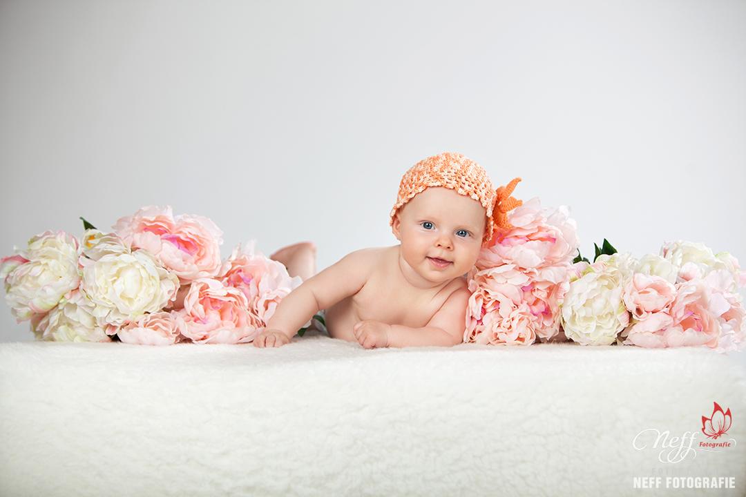 Baby eine Woche fotografieren lassen